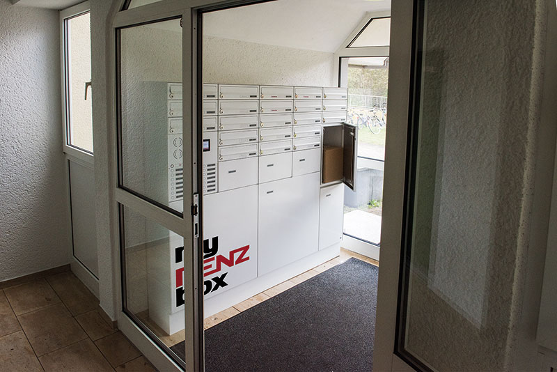 Paketkasten und Briefkasten als Kombination